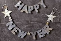 New Years / New Year's Eve party decor / black tablescape / winter