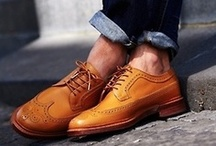Sockless men of style / These gentlemen re:fined their summer look by going sockless.