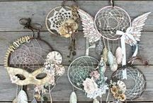 atrapasueñOs / (or dreamcatchers)