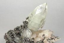 Crystals / Ooooohhh!! Shiney!!!