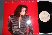 COLECCION MICHAEL JACKSON / Michael Jackson en todocoleccion: discos, fotos y merchandising de Michael Jackson, el rey del pop.