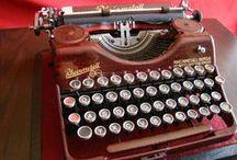 COLECCION MAQUINAS ESCRIBIR / Máquinas de escribir antiguas: Olivetti, Olympia, Remington... máquinas de escribir clásicas ideales para nostálgicos y quienes tienen alma de escritor.   Encuentra más máquinas de escribir en todocoleccion:  http://www.todocoleccion.net/s/maquinas-de-escribir