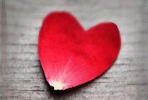 STYLING ✽ Valentijnsdag   Valentine's Day / Doe inspiratie op over Valentijnsdag styling met harten, love, rood, etc. Geen idee hoe je dit thuis kunt realiseren? Ik help je graag met interieuradvies en styling op maat via www.stijlidee.nl