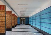 STIJL ✽ Dudok Stijl   Dudok Style / Architectuur in de stijl van Willem Marinus Dudok. Dudok's bekendste gebouw is het raadhuis in Hilversum. Ook vele scholen en huizen werden door Dudok ontworpen. Ik geef je graag interieuradvies en kleuradvies in de stijl van Dudok. Vraag vrijblijvend een offerte aan via info@stijlidee.nl