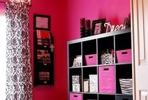 Dream Craft Room / Some inspiration and ideas for organizing and decorating my craft room.