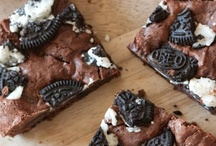 Sweetslandia! / Recipes to impress your friends, co-workers, family, neighbors, loan sharks.