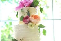 Dessert time!!! / Fabulous wedding cakes deserve great cake cutting music!!