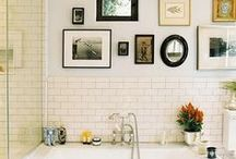 LIFESTYLE | Bathroom / From tile to texture we're always looking for ways to update our bathroom. Click here for some of our favorite shelfies (product shelf selfies!), vanity looks and #bathgoals!