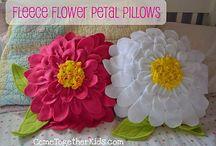 ✂DIY & Crafts✂ / Crochet,quilts,sewing & DIY ideas / by Sheila M