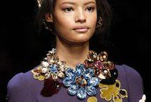CATWALK TREND - JEWELLERY FW 2014 / Trendy z wybiegów Fashion Week Haute Couture Fall-Winter 2014. Więcej na blogu YES is My Bless http://yesismybless.com/trendy-z-wybiegow-bizuteria-na-fw-2014/