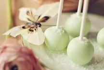 Cake Pops / by Maria Lindgren