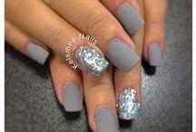 Nails / by Melanie Saavedra