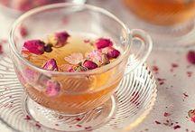 Coffee, Cupcakes, Tea / by Sonia Silva