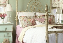 Cottage Style / Cheerful, comfy interiors with a carefree attitude.  A nice B&B getaway, perhaps?