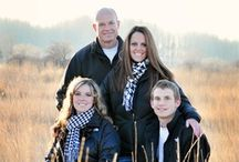 Family with Teens | Session Inspiration / Session inspiration and poses for families with older children and/or teens