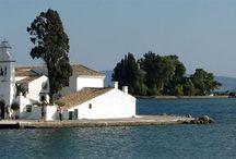Corfu / Mooie foto's van bezienswaardigheden, pittoreske baaitjes, kleine dorpjes en fraaie stranden op Corfu. Het historische en gezellige Kerkyra, de badplaats Gouvia en aan het strand in Acharavi. Heerlijk om bij weg te dromen of als inspiratie voor je vakantie naar Corfu en Griekenland....