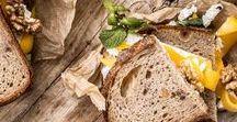 Rezepte mit Brot / Leckere Stullen und Schnitten sind genau das Richtige für dein ausgewogenes Lunch. Mit Kräutern, Nüssen und frischem Obst und Gemüse aufgepeppt geben diese Rezepte den perfekten Kick für den Rest des Tages.