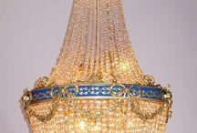 Lighting. Ballon, basket or waterfall chandeliers. / Chandeliers. Classic ballon type.