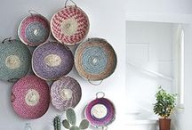 wall ideas :: recycled objects / For more information on feature wall ideas visit | www.naturalmoderninteriors.blogspot.com