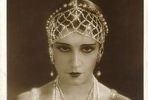 20's/Art Deco accessories and detail