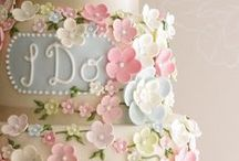 { wedding cakes } / Yum yum yum.  A pretty and tasty cake is essential for any wedding.  Get glam for your wedding!  For other glamorous ideas, check out Posh Purpose!  http://poshpurpose.blogspot.com