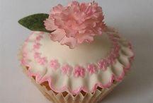 Cupcakes I adore!