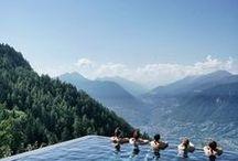 URLAUB IN DEN BERGEN / Ihr liebt die Berge genauso sehr wie wir? Sie geben euch Kraft und Energie und nur dort könnt ihr so richtig zur Ruhe kommen? Wir haben die schönsten Wanderrouten, Aussichtspunkte, Klettersteige, Trails und Klettertouren in den Bergen für euch ausgesucht. So steht eurem Traumurlaub in den Bergen nichts mehr im Weg. Südtirol, Bergspitze, Seiser Alm, Wanderrouten, Österreich, Schweiz, Berggipfel, Wanderlust, Reisen, Berge, Dolomiten, South Tyrol, Kanada, Mountains, Nature, Wanderweg.