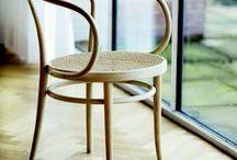 classics. / Seit meiner Bauzeichner-Ausbildung damals im Jahr 1995 interessiere ich mich für zeitlose Möbel-Klassiker. Namhafte Designer wie etwa Charles und Ray Eames, Verner Panton und natürlich Le Corbusier, haben mein Gespür für Design und meinen Stil geprägt. Auf dieser Pinnwand zeige ich Euch meine Lieblingsstücke! <3