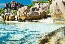 SEYCHELLEN URLAUB / Seychellen - Das Traumreiseziel schlecht hin. Wir nehmen euch mit zum Inselhopping ins Paradies. Die drei Hauptinseln La Digue, Praslin und Mahé sind ein guter Ausgangspunkt für eine erste Reise auf die Seychellen. Die schönsten Hotels, Ausflugsziele, Strände und Bootstouren findet ihr in unserem Seychellen Board. Viel Spaß bei eurer Traumreise!