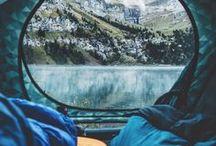 CAMPING HACKS / Ihr liebt es in Zelten oder im Camper zu übernachten, am Lagerfeuer zu sitzen, die Natur zu genießen und mobil zu sein, dann haben wir die besten Tipps und Hacks zum Thema Camping für euch. Grillen, Grill, Wald, Natur, Zelten, Zelt, Bäume, Familie, Campingwägen, Outdoor, Seen, Wandern.