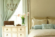Design Bedrooms / by Donna Levi