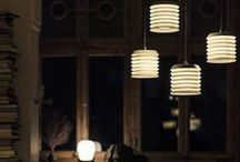 Novedades Santa&Cole 2016 / Santa & Cole es una editora de productos de diseño, nacida en Belloch (Barcelona), y distribuida en más de 70 países. Santa & Cole edita elementos de mobiliario e iluminación domésticos o urbanos, desde lámparas de interior a grandes farolas públicas o bancos para peatones.