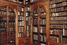 Book Nook / Design ideas and inspiration for a library, reading nook, comfy reading chair, book corner, book nook