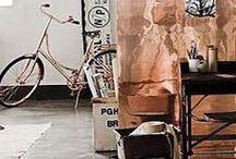Copper Orange trendkleur 2015 / ColourFutures, AkzoNobel's jaarlijks kleurtrendonderzoek, heeft Copper Orange aangewezen als dé kleur van 2015. De warme tint staat voor een positievere kijk op de wereld en een nieuwe focus op de 'sharing economy'. De kleur vervangt de koele blauw- en groentinten van de afgelopen jaren en sluit perfect aan bij roze en neutrale tinten, bij wit, andere oranje tinten en metallics zoals goud en koper en houttinten.