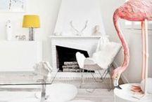 Flamingo / Het is officieel: in het interieur trend wereld, flamingo's zijn de nieuwe katten. De langbenige roze vogel heeft vlucht genomen als een cult-favoriet, opduiken op alles, van kunstwerk tot woonaccessoires, prints op kussens en nog veel meer!