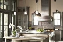 Kitchens / by Tiffany Moreira