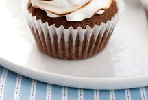 Yummy Cupcakes / by Alicia Ellsworth