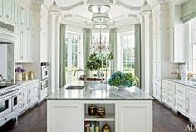 BEAUTIFUL KITCHENS / by Annette Figueroa