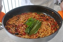 Food in Italy / The food of Italy - Links to tips & information about eating in Italy