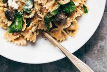 FOOD / by Katelyn Rutt