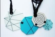 Mavi Tasarımlar / En sade, modern ve dikkat çekici mavi  tasarımlara ulaşmanın  en kısa yolu www.nishmoda.com. Mavi defterler, mavi kolyeler, mavi yüzükler ve onlarca mavi tasarım