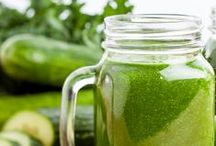 SMOOTHIES | GREEN / Green smoothies! / by VegaTeam
