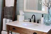 Bathroom // Decor / Organizing a small bathroom, bathroom decorating, bathroom decor, bathroom finishes, bathroom accessories, spa like bathroom design, bathroom design, farmhouse bathroom, country bathroom, rustic bathroom, shabby bathroom, bathroom colors.