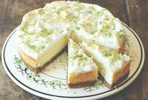 Cheesecake / Cheesecake. For those who love a buttery biscuit base.