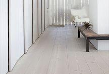 Wooden floor / Wooden floor