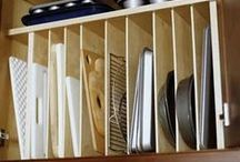 Organized Kitchen / Easy kitchen DIY projects, functional DIY kitchen projects, make the most of kitchen drawers, use kitchen cabinet space wisely, inexpensive tricks to organize your kitchen, organize kitchen, organized cabinets, organized drawers