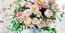 Wedding Bouquets / Wedding bouquets of different color palettes, flowing blooms and greenery.