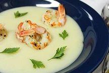 Sopas e Cremes / E tem comidinha mais comfort food que SOPA minha gente?! Sopa abraça...