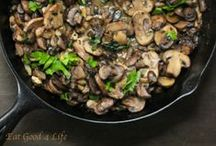 Meatless Monday: Mushroom Lovers / Mushrooms' hearty, meaty texture and savory flavor make them a great ingredient for a satisfying Meatless Monday meal. Plus, mushrooms are a fat-free, low-calorie, nutrient-dense ingredient packed full of natural antioxidants.