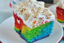 Cakes + Cupcakes / by Dani Workman